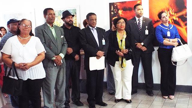 La muestra artística fue dedicada al maestro de la plástica dominicana y también expositor Amable Sterling