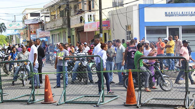La población higüeyana se mantiene inquieta por conocer los resultados finales de los comicios en ese municipio de La Alrtagracia.